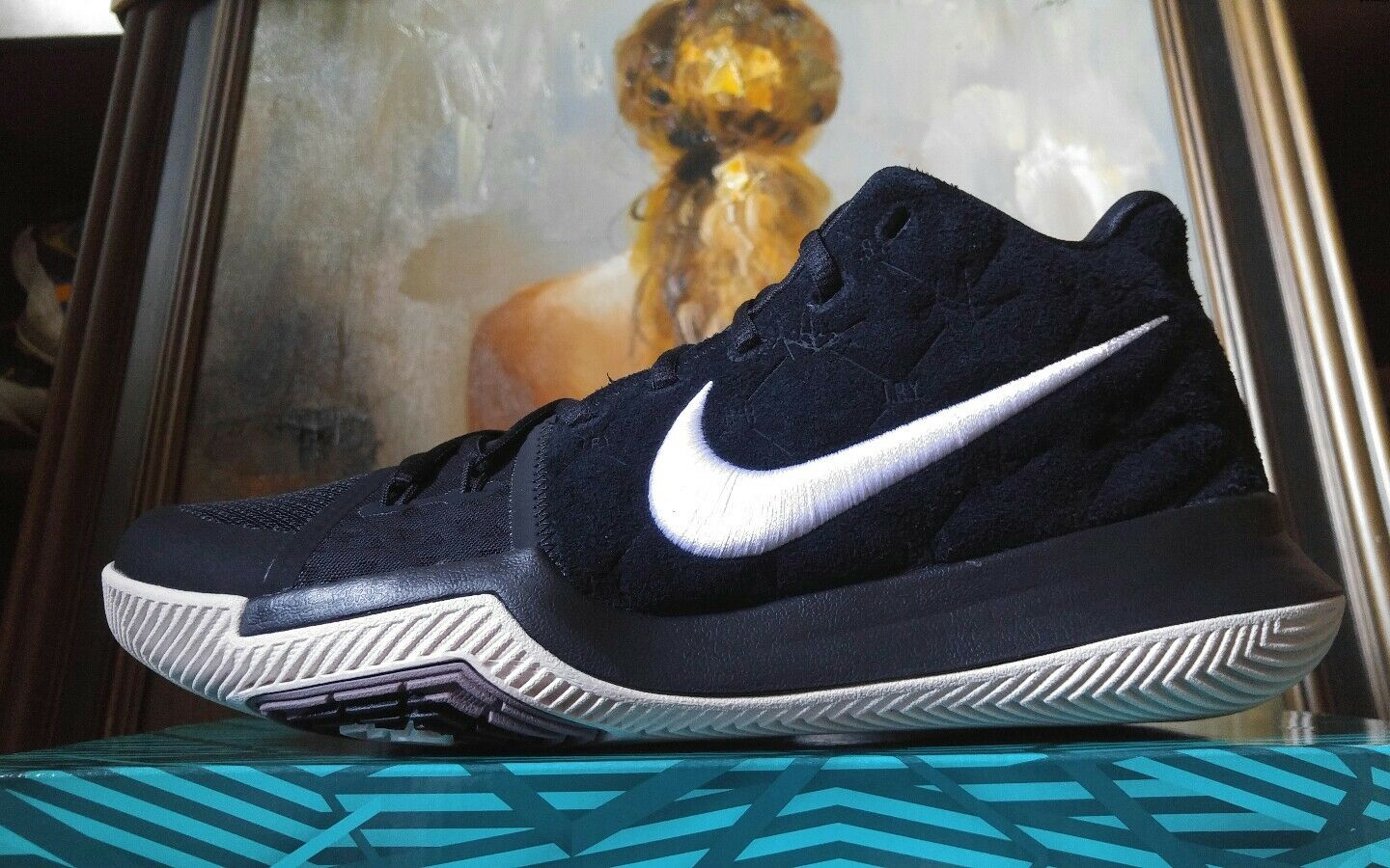 Nike Kyrie 3 size 10 10.5 11 12 13 Black suede White Silt Red