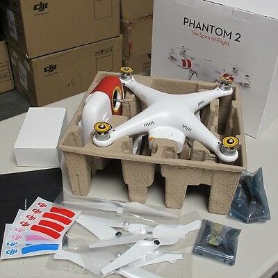 DJI Phantom 2 Quadcopter UAV Drone w/ 2.4G Remote Control RTF -US dealer