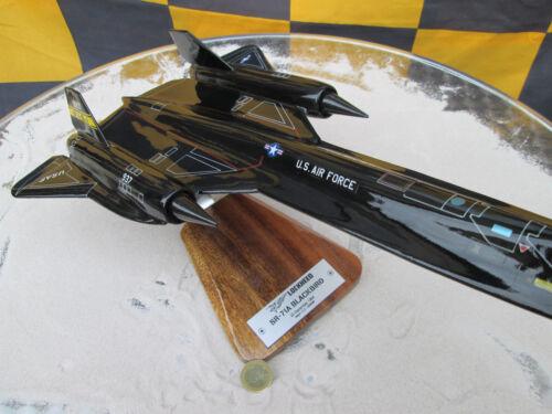 Avion YAKAiR Woodmodel Aircraft SR-71A Blackbird 1:72