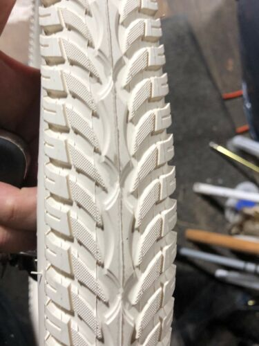 Cream Bike tires 26 x 2.125 Balloon tires Radial Tread Schwinn Columbia RatRod