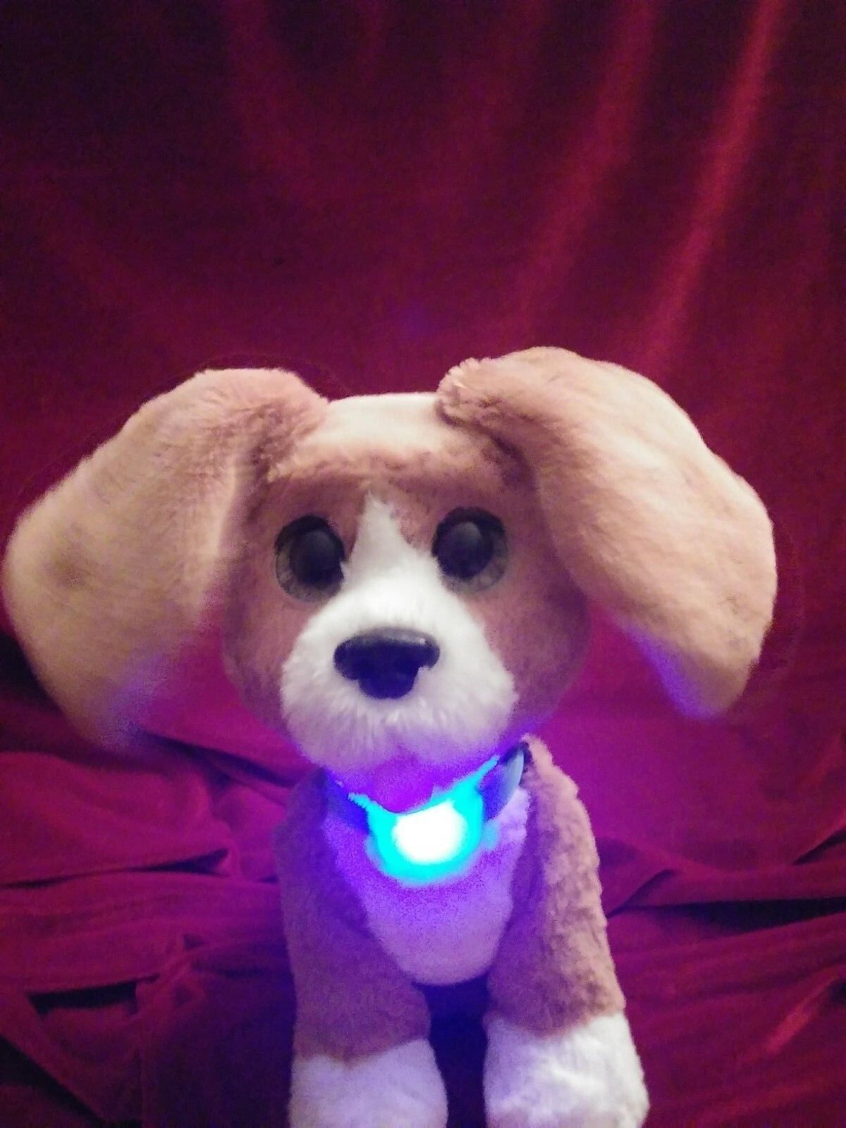 FurReal Chatty Charlie Barkin' Beagle Light-up translating collar Puppy Dog