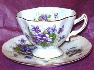 Vintage-Rosetti-Japan-PURPLE-VIOLETS-SPRAY-Hand-Painted-Coffee-Tea-Cup-amp-Saucer