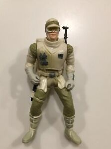 Hoth-Rebel-Trooper-Star-Wars-1997-Kenner-3-75-034-Figure