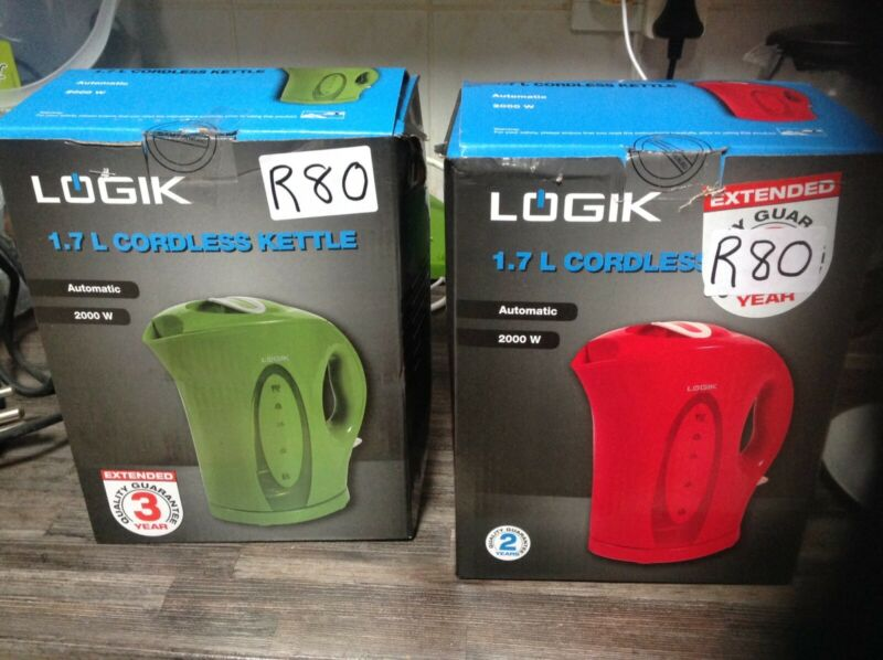 GOOD SECOND HAND RED AND GREEN KETTLES.  R80 EACH.  0714437462