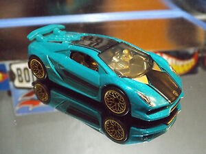 Hot Wheels Exotics Special Custom Lamborghini Sesto Elemento With