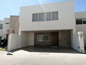 Casa en Venta en Rancho Santa Mónica