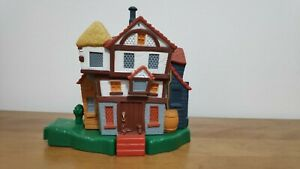 Weasley-House-Burrow-Polly-Pocket-2001-Mattel-Playset