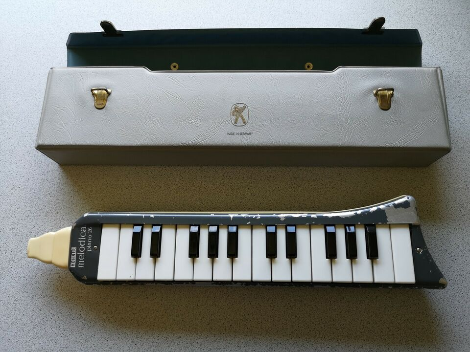 Andet, Hohner melodica alto og piano 26