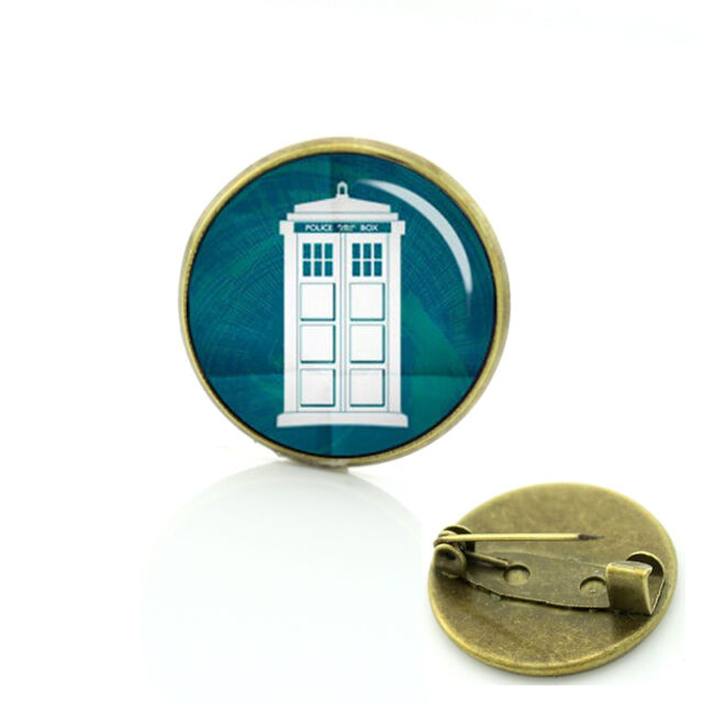 The TARDIS DR Doctor Who Science Fiction BBC TV Series Police Box - retro Pin