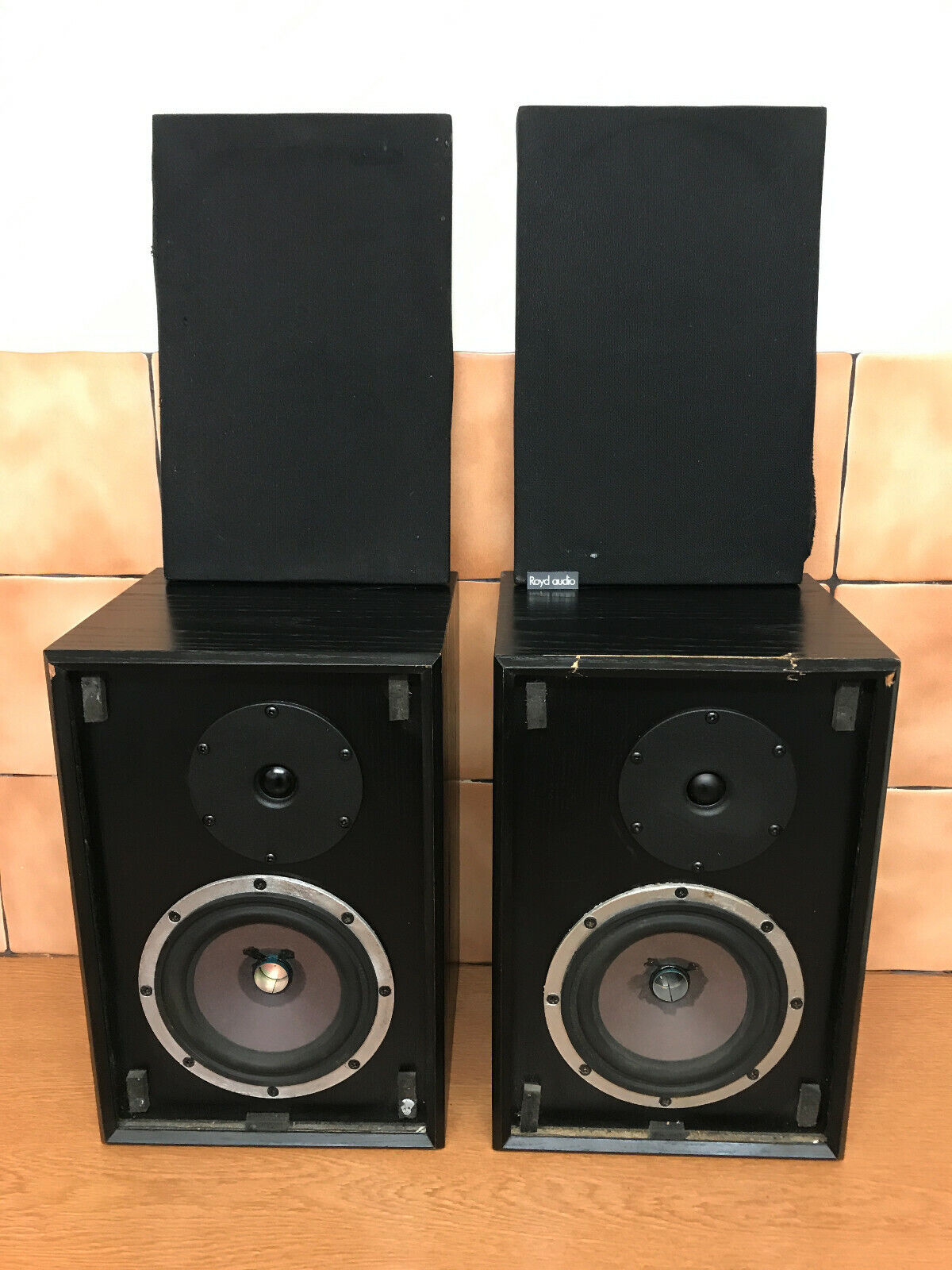 ROYD AUDIO EDEN PAIR BOOKSHELF  STEREO 60 WATTS PER CHANNEL LOUDSPEAKE SPEAKERS