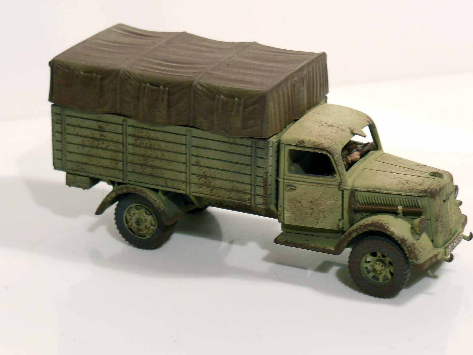 28mm Bolt Action Chain Of Command German Opel Blitz Closed Canopy - Painted