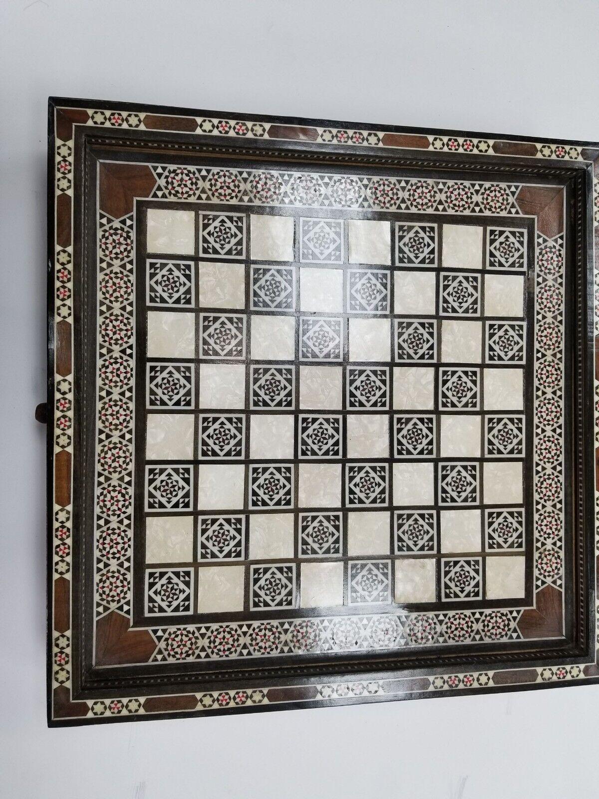 Buen Vintage Tallada a Mano Madera Tablero de ajedrez  - Juego de Mesa