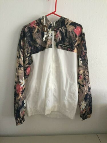 QINA YUGN SHUI Rain and Windbreaker Floral Print (