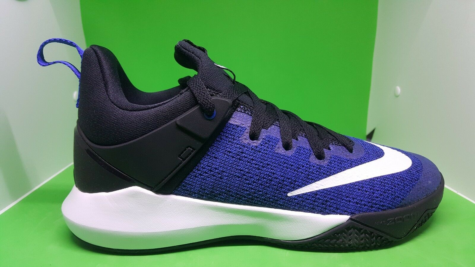 MEN'S NIKE ZOOM SHIFT SHOES SIZES 8 and 9