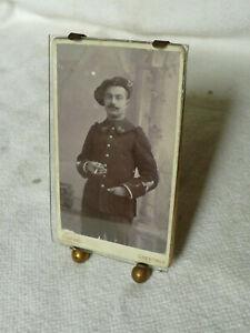 ANCIEN-CADRE-A-POSER-EN-LAITON-PORTE-PHOTO-CHEVALET-chasseur-alpin-1914