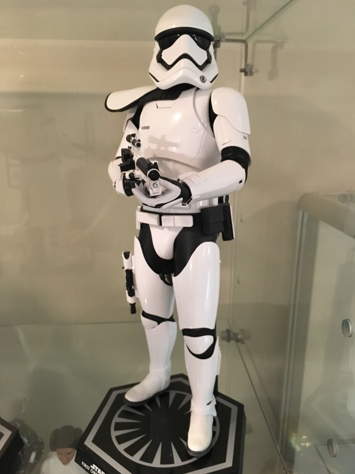 Hot Toys The Force Awakens the First Order Stormtrooper Squad Leader Exclusive