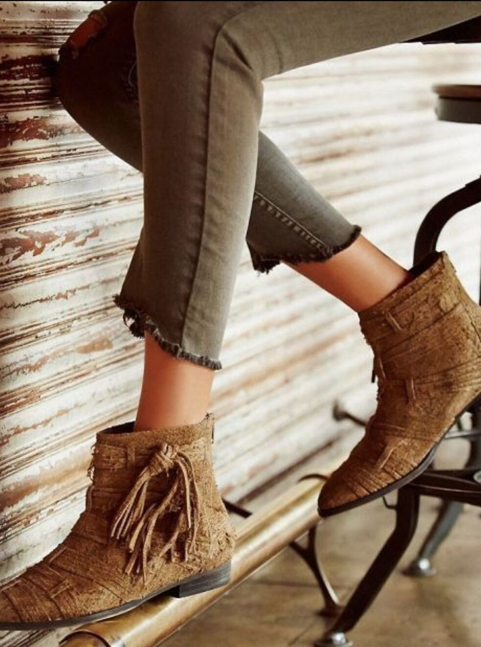 Free People Taupe Distressed Decades Ankle Stiefel Distressed Taupe Suede Booties 36 US 6.5 178.00 a3f2ce