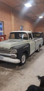 1958 GMC Apache 32 Long box Fleetside 2WD