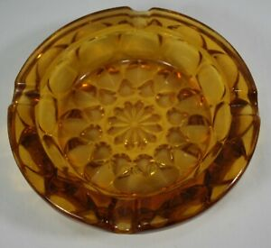 Mid-Century-Vintage-Amber-Gold-Round-Dimpled-Glass-Ashtray-6-034-Large-ashtray