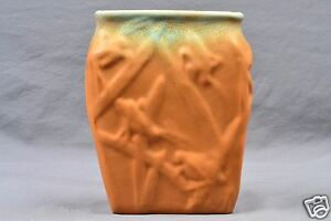 Muncie-Pottery-Vase-Green-Drip-Over-Pumpkin-Katydid-Shape-194-6-2A-1930-039-s