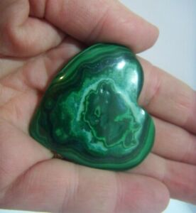 POLISHED-MALACHITE-HEART-FORTUNE-AND-PROSPERITY-50MM-45G