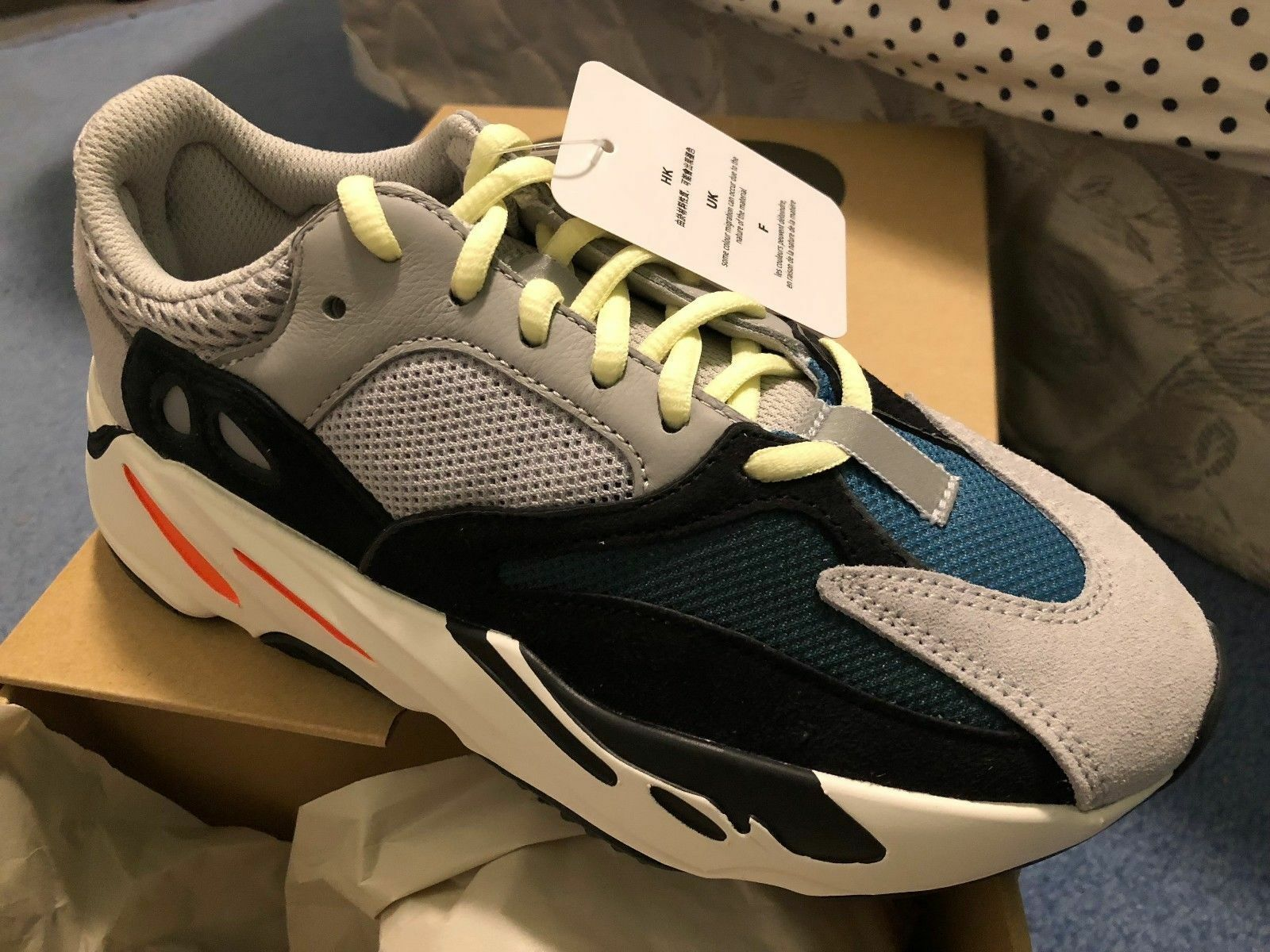 IN HAND NEW ADIDAS YEEZY BOOST 700 WAVE RUNNER B75571 Price reduction