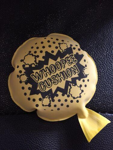 Spedizione il giorno stesso mini dimensioni Whoopee Cushion ELF sostegni accessori sulla mensola