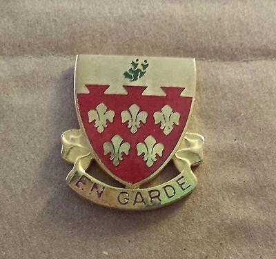 """US Army Distinctive Unit Insignia: 77th Field Artillery """"EN GARDE"""""""