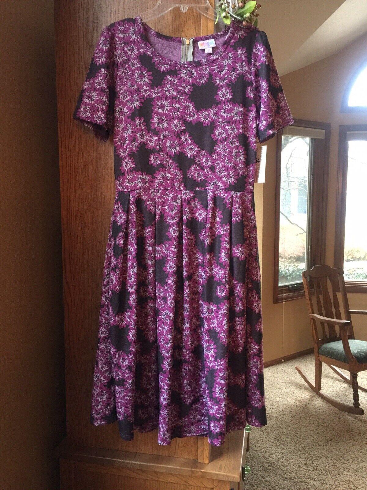 Perfect EASTER dress  LuLaRoe Amelia Medium M lila lavender floral dress NWT