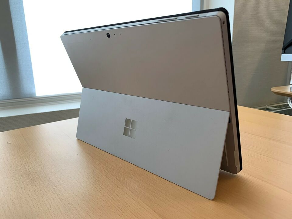 Microsoft Surface Generation 4, 8 GB ram, 256 GB harddisk