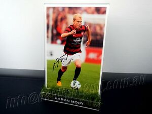 Signed-AARON-MOOY-Photo-amp-Frame-PROOF-COA-Western-Sydney-Wanderers-2018-Jersey