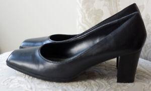 4b5e8b7b5288 Image is loading Liz-Claiborne-Classic-Pumps-Black-Leather-Square-Toe-