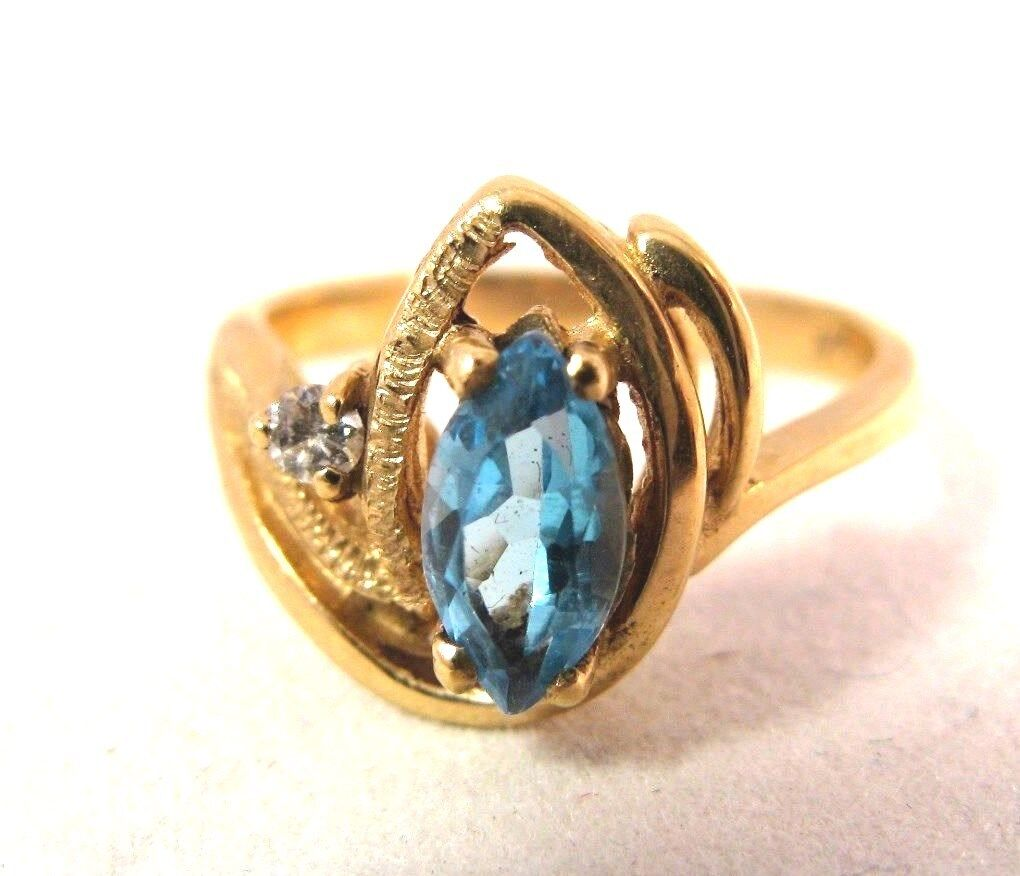 14K gold Natural Marquise .70CT blueee Topaz Diamond Vintage Ring 3.4gr Size 5.5