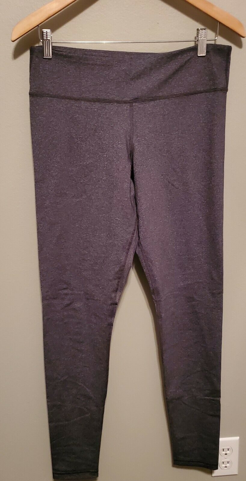 Old Navy Compression Leggings - Gray - Never Worn - Size L