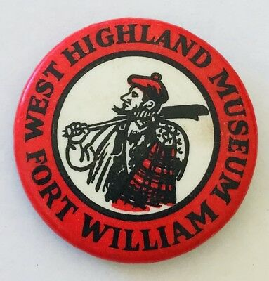 T-01 Scotland Fort William Ben Nevis Enamel Town Crest Lapel Pin Badge
