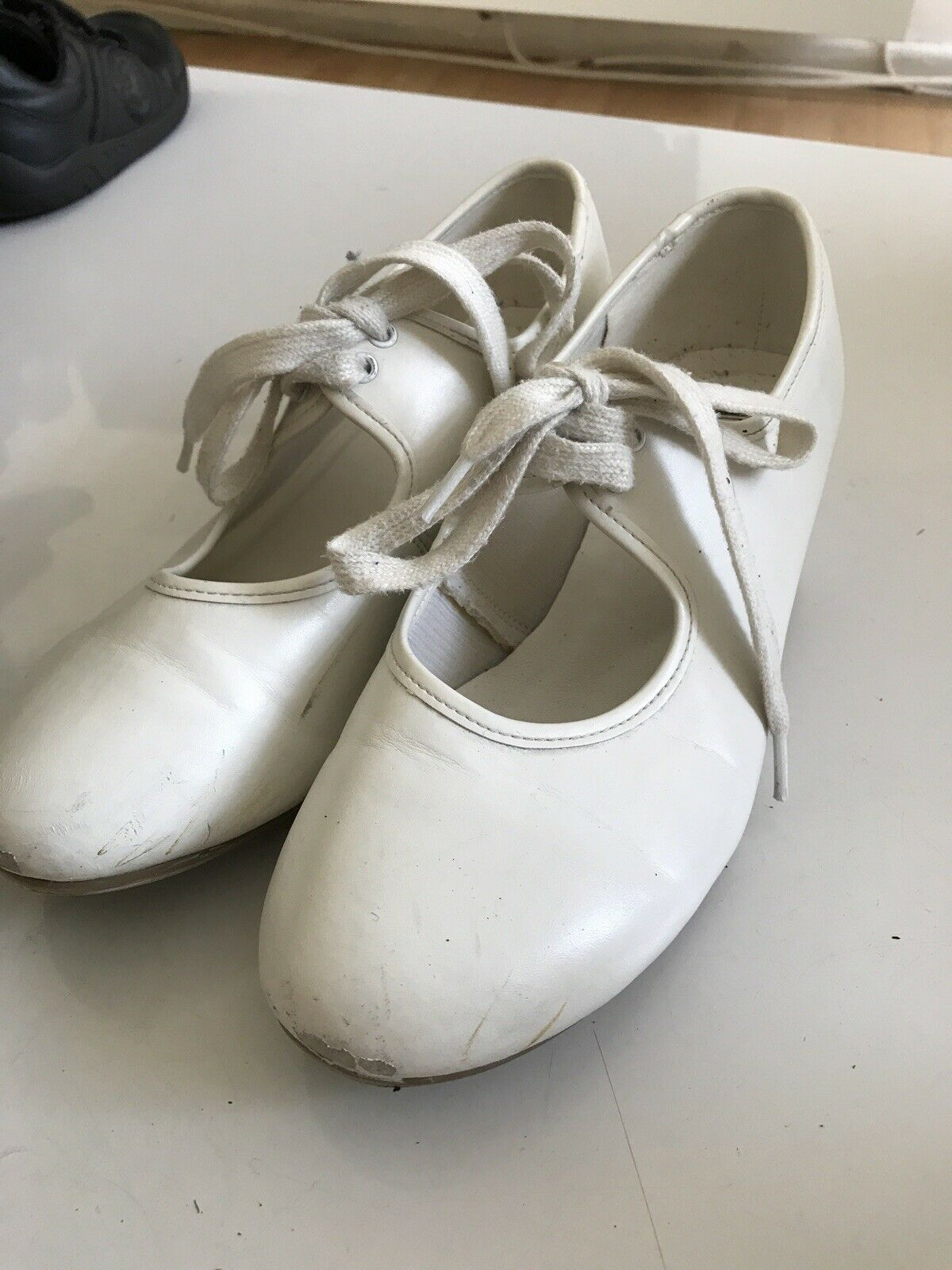 *** Girls1st Position Low Heel Dancing Shoes Size 4 **
