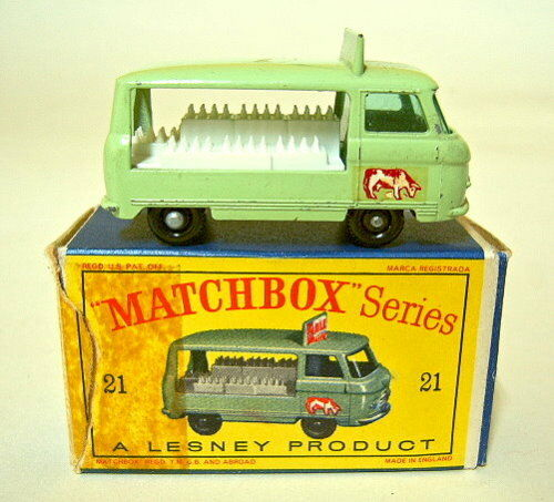 Matchbox RW 21c Milk float  vaca  con ruedas negro