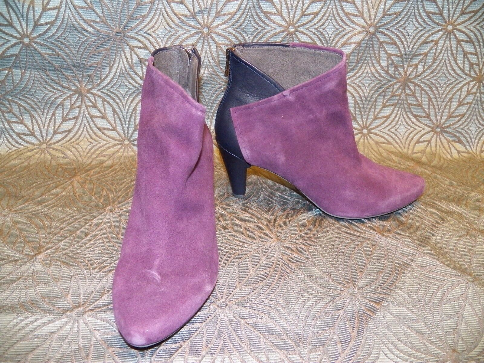 New Womens Tsubo Felecia Amethyst Purple Leather Suede Short Ankle Heel Booties