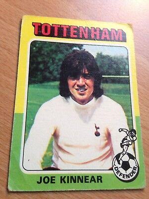 -#155- TOTTENHAM SPURS TOPPS-FOOTBALL ERS RED BACK 1975 JOE KINNEAR