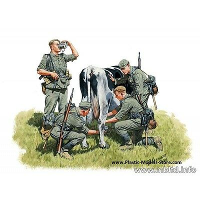 PLASTIC MODEL KIT  MASTER BOX 1/35 WWII GERMAN INFANTRY MILKING A COW #3565