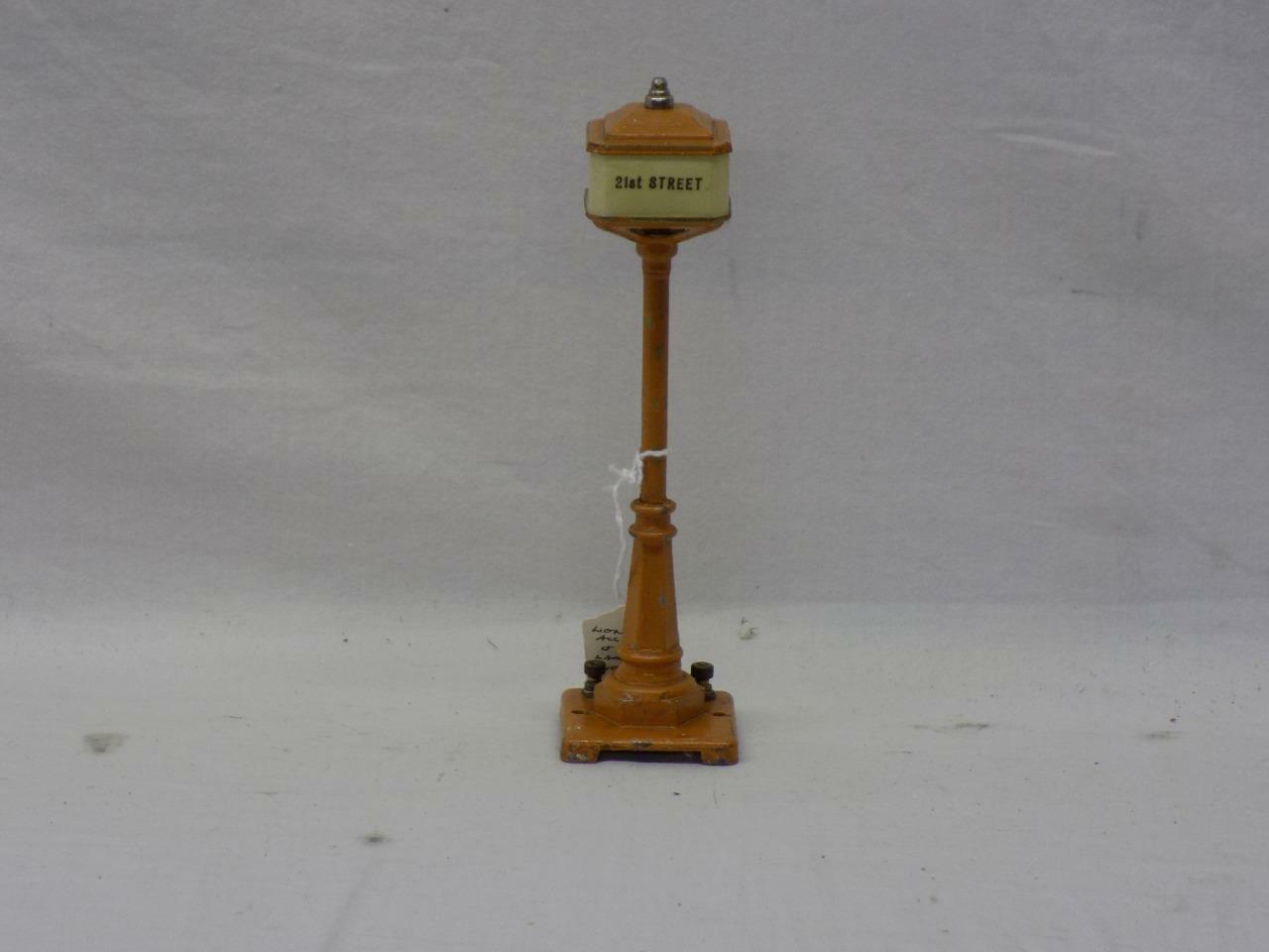 vendiendo bien en todo el mundo Original preguerra Lionel Lionel Lionel   57 poste de luz con cuatro nombres de calle  Obtén lo ultimo