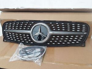 MERCEDES-BENZ-CLA-W117-BELEUCHTED-Kuehlergrill-GRILL
