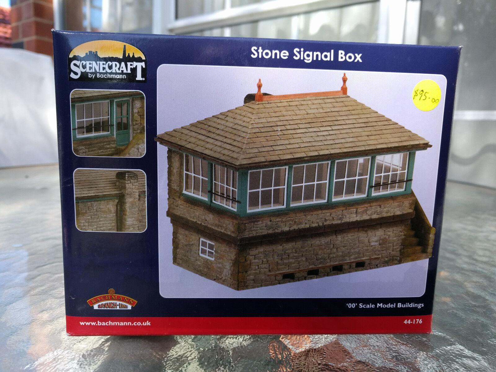 Bachmann Scenecraft Stone Signal Box ref 44-176