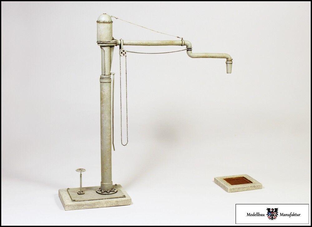 Wasserkran mit Gelenkausleger - Fertigmodell Spur II