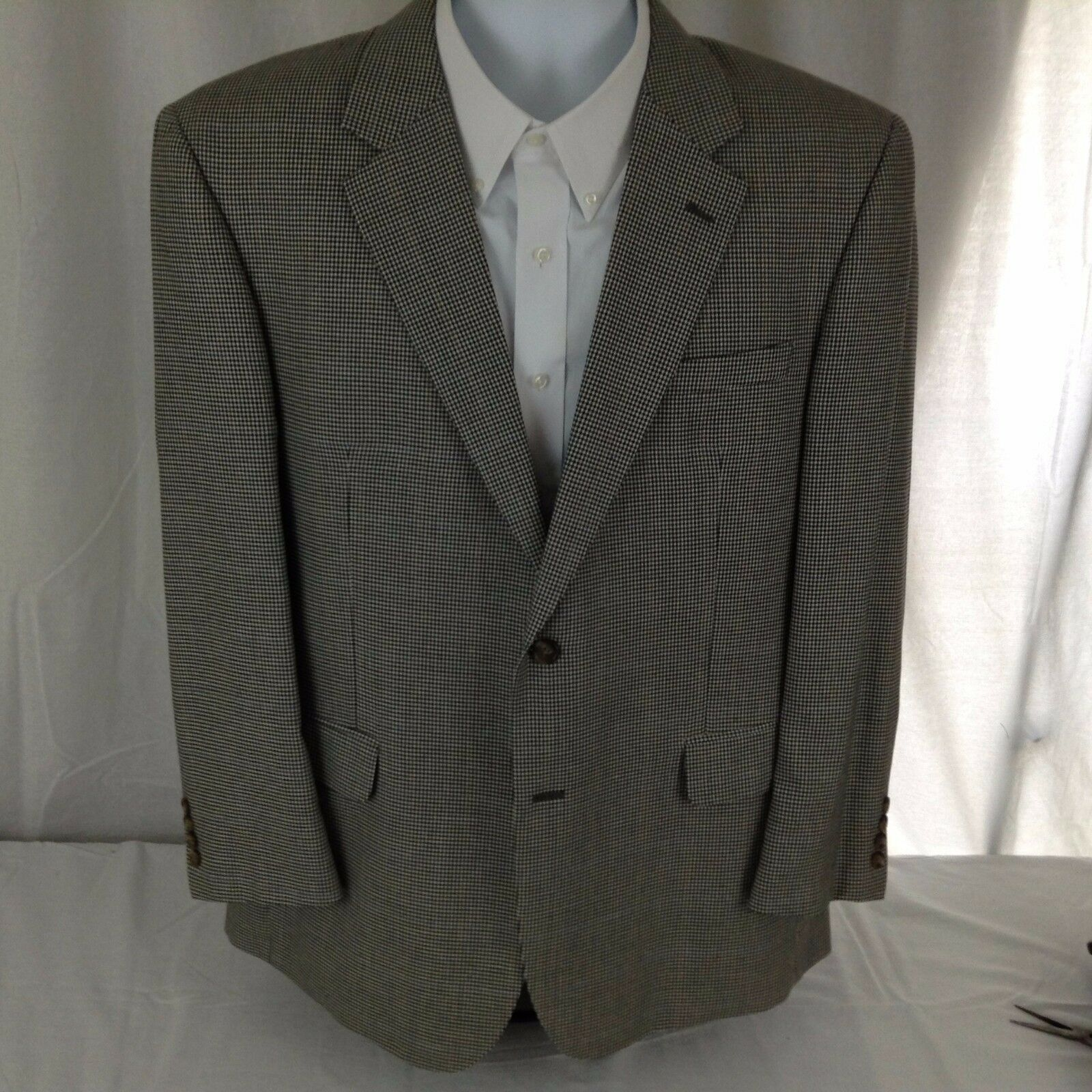 Jos A Bank  Herren 2 Button Houndstooth Silk & Wool Sportcoat 46R Free Shipping sc8