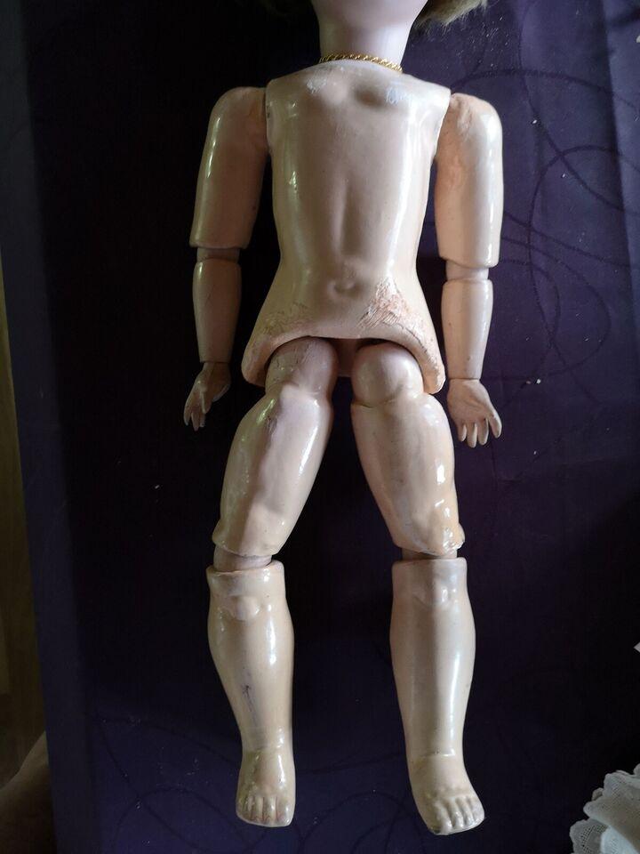 Porcelæn, Antik dukke