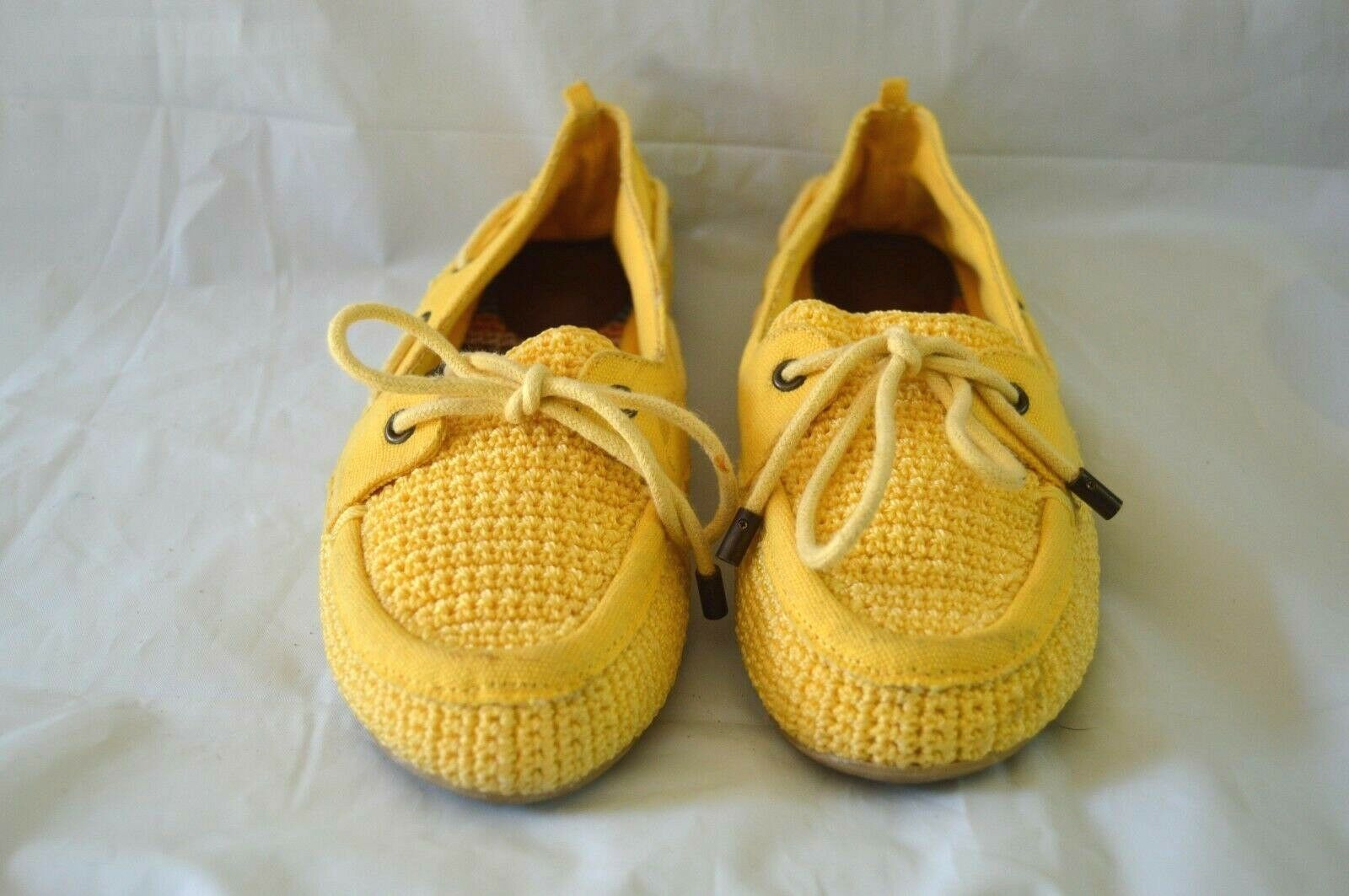 THE SAK YELLOW SHOES WOMEN SIZE 7.5 FLAT