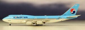 JC-Wings-EW4744001-Korean-Air-Boeing-747-400-HL7402-Diecast-1-400-Model-Airplane