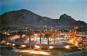 Scottsdale-Arizona-Del-Webb-039-s-Mountain-Shawdows-Hotel-Pool-at-Night-Golf-Course