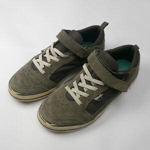 huge discount 00e55 86a38 Teva Suede skateboarder sneakers Youth size 3 Gray Elastic Laces Hoop   Loop